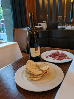 Douro vinho tinto with jamon iberico